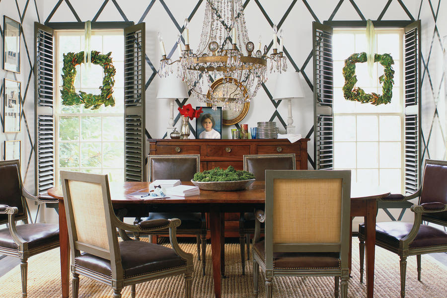Christmas Decorating Ideas: Magnolia Wreath