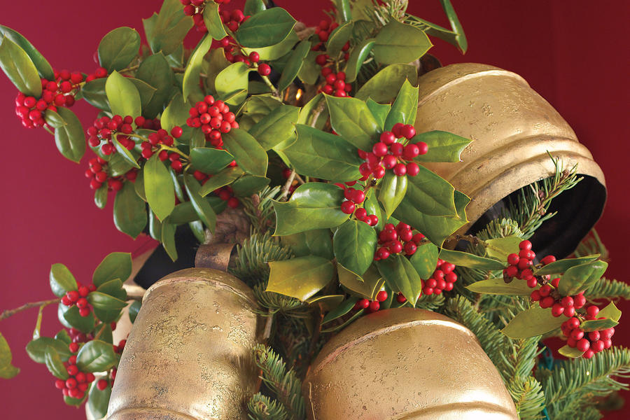 Christmas Decorating Ideas: Bell Toppers
