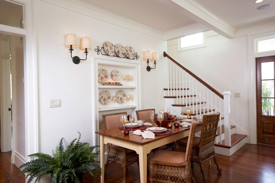 Save Space with BuiltIns Stylish Dining Room Decorating Ideas