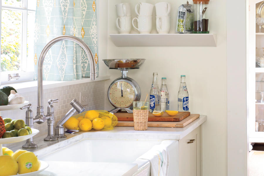 Kitchen Design Ideas: Graceful Fixtures and Faucets