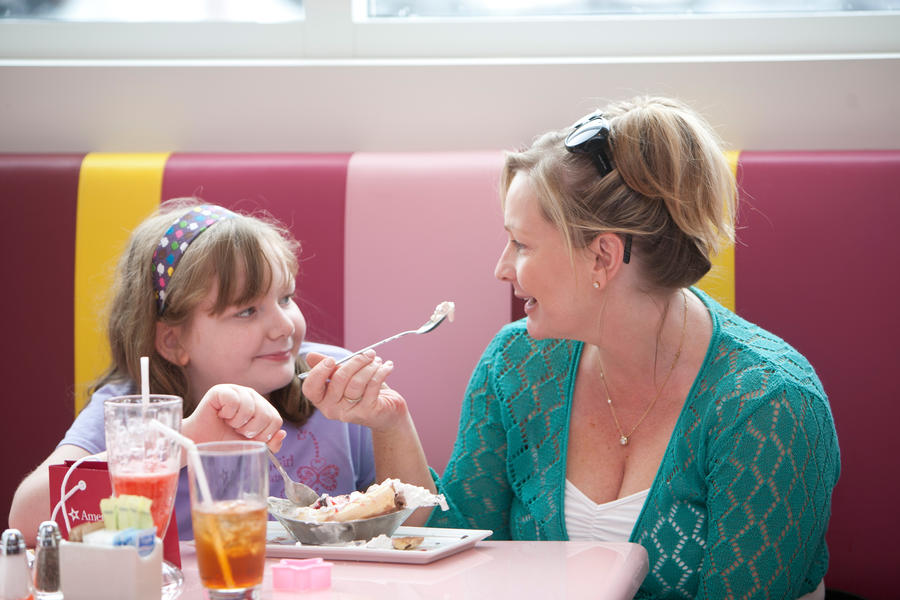mother and daughter in american girl bistro
