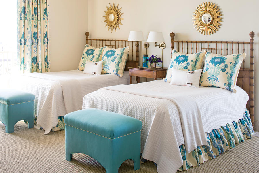 Relaxed elegance beautiful blue bedrooms southern living for Home and garden bedroom designs