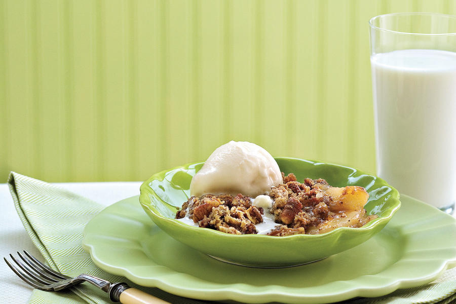 Apple-Gingerbread Cobbler
