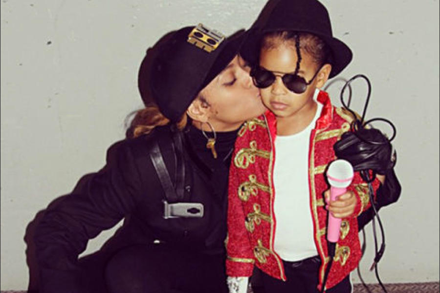 Beyoncé and Blue Ivy Carter as Janet and Michael Jackson Halloween Costumes