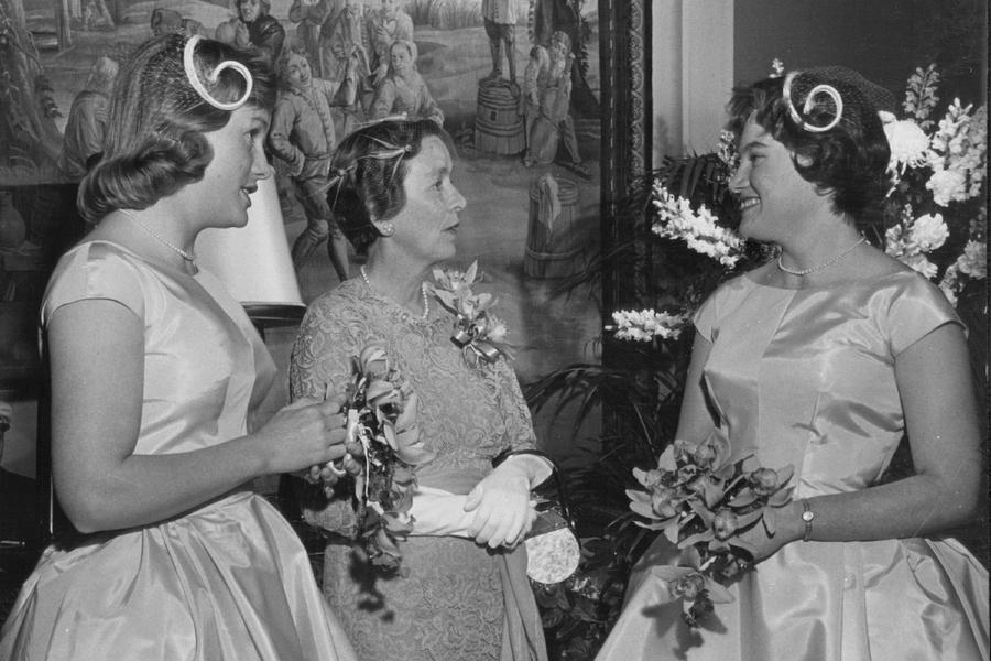 Vintage Bridesmaids Talking with Mother of the Bride
