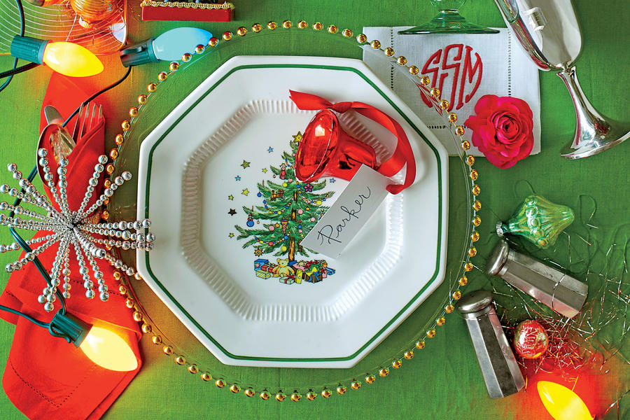 Retro Christmas Table Setting
