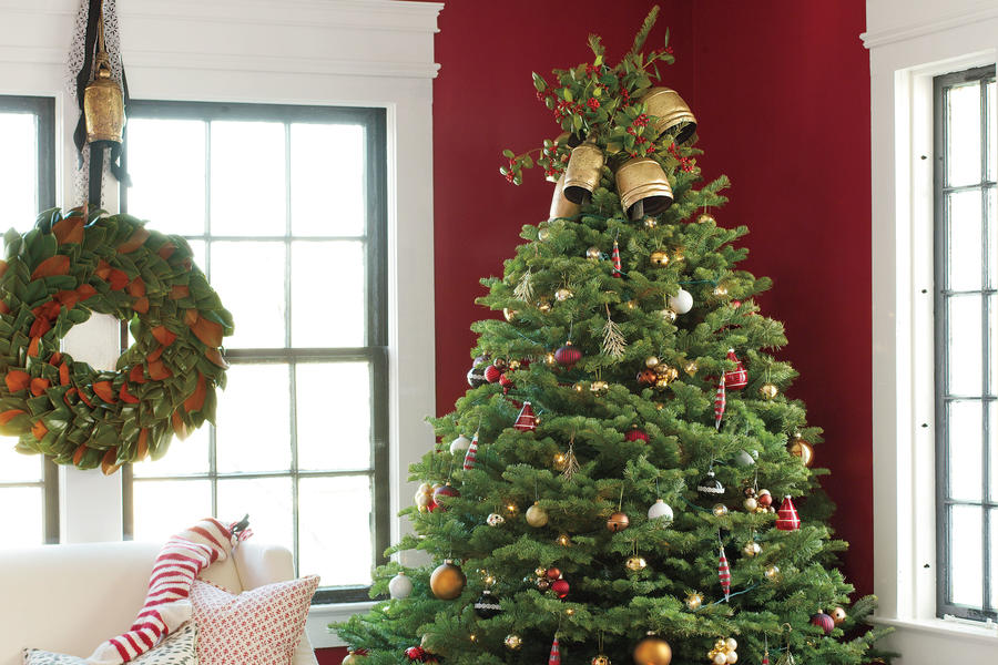 Classic and Colorful Christmas Tree