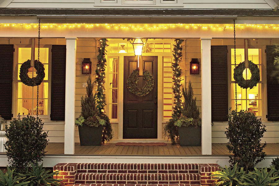 Christmas Exteriors Merry and Bright