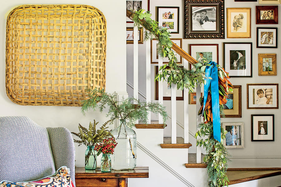 Small Space Foyer with Magnolia Garland