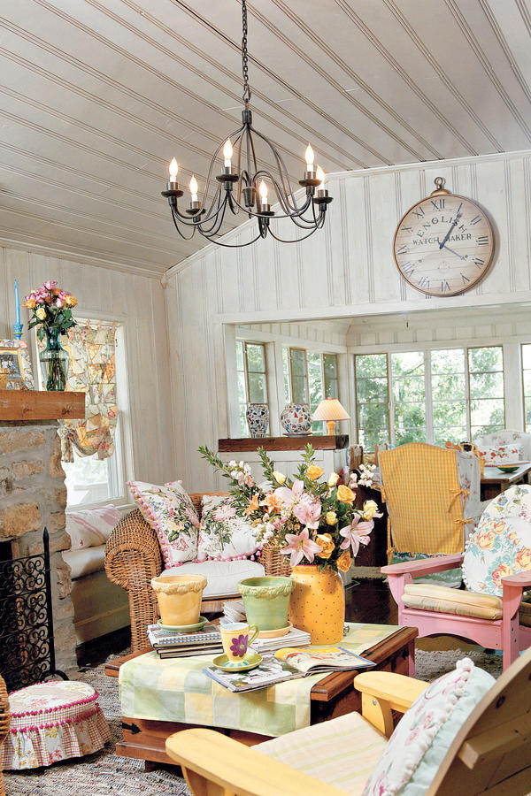 Decorate With Cottage Style - 106 Living Room Decorating Ideas