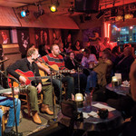 Nashville Sightseeing: Bluebird Café