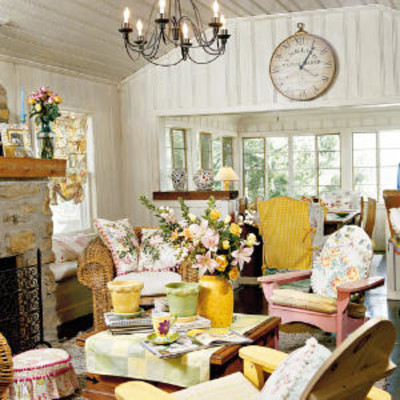 Living room decorating ideas decorate with cottage style for Southern style living room ideas