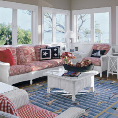 Nautical themed living room beach living room decorating for Beach themed living room colors