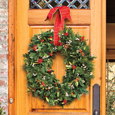Christmas Decorating: Oval Wreath