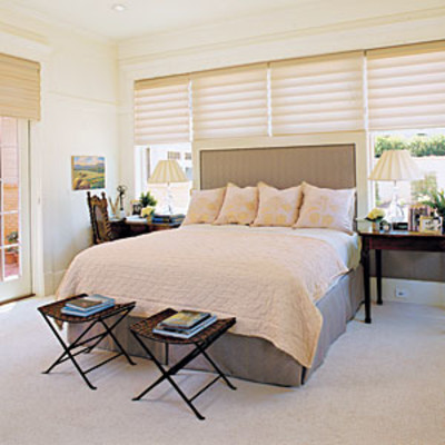 Bedroom window treatments shades bedroom window for Small main bedroom decor ideas