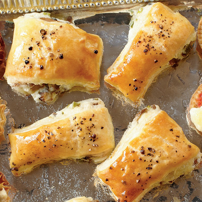 Appetizer recipe mushroom puffs holiday finger food for Easy christmas appetizers finger foods