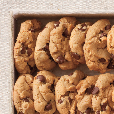 Flourless Peanut Butter-Chocolate Chip Cookies - Overtime Dessert ...