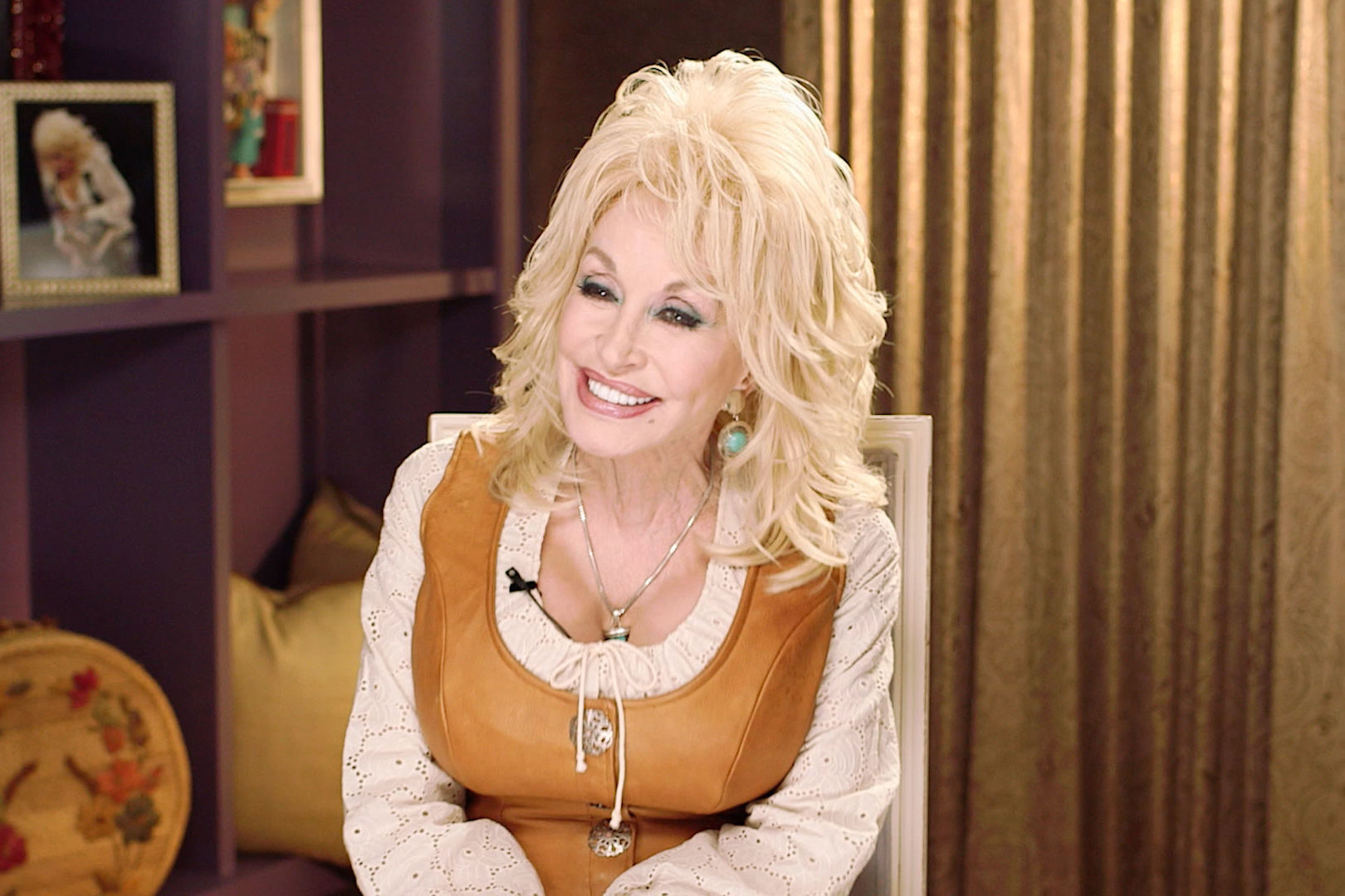 WATCH: Dolly Parton Visits Superhero Kids at Vanderbilt's Children's Hospital