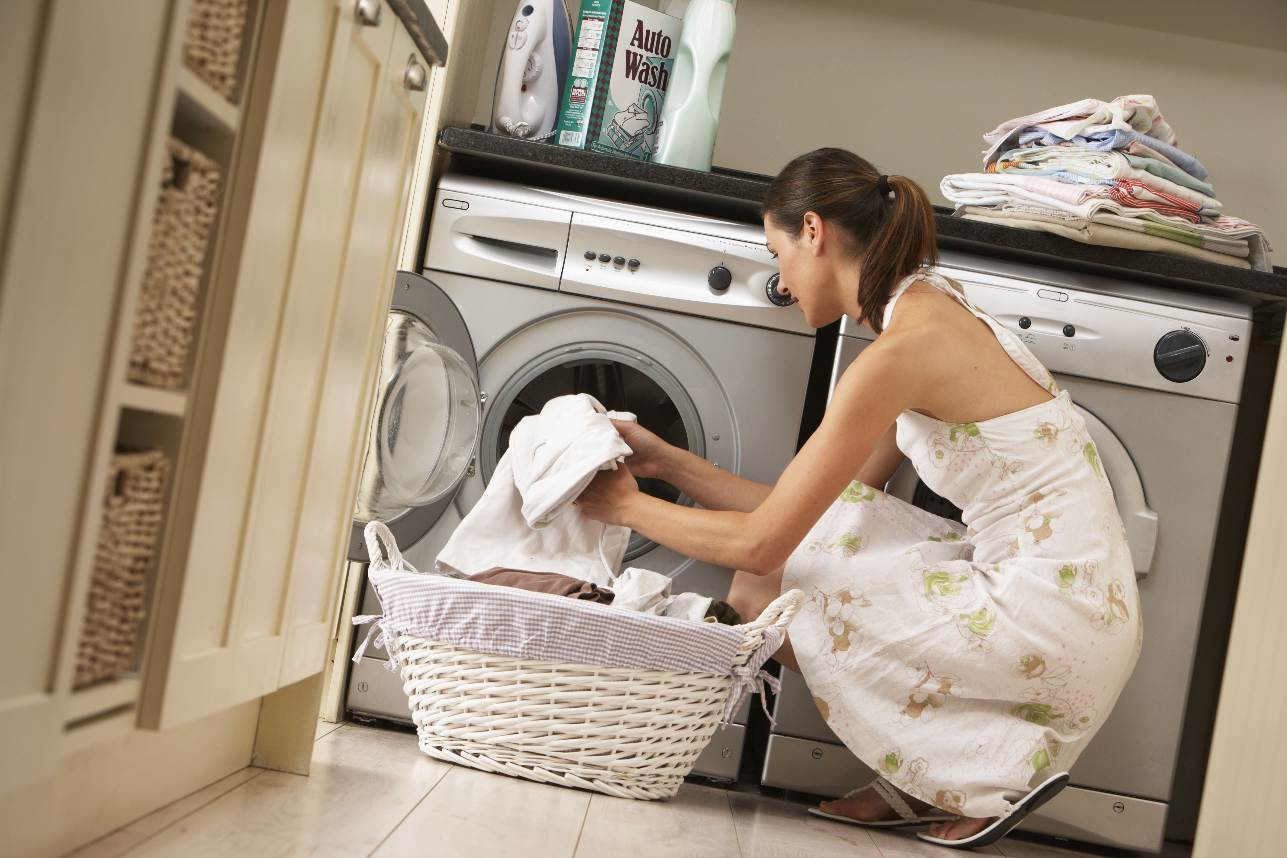 2 Clever Ways to Get Rid of Static Cling