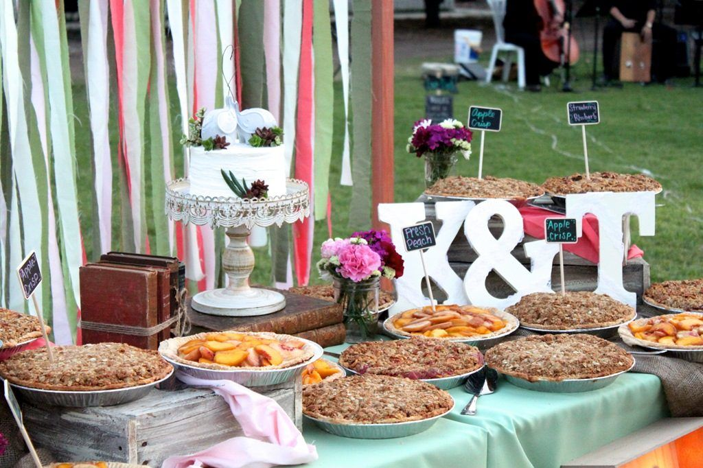 8 Delicious Reasons Why You Should Serve Pie at Your Wedding