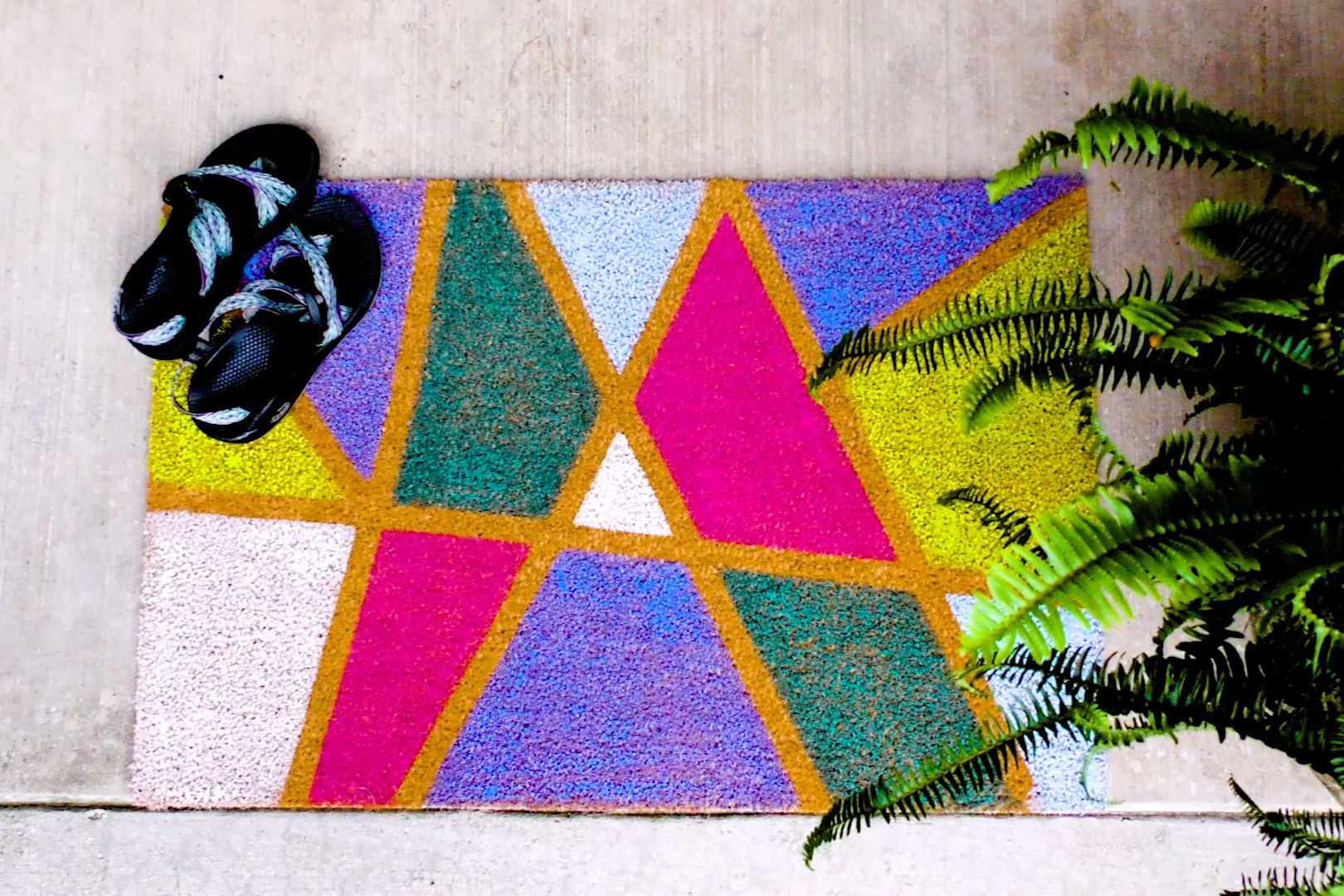 DIY Painted Abstract Door Mat
