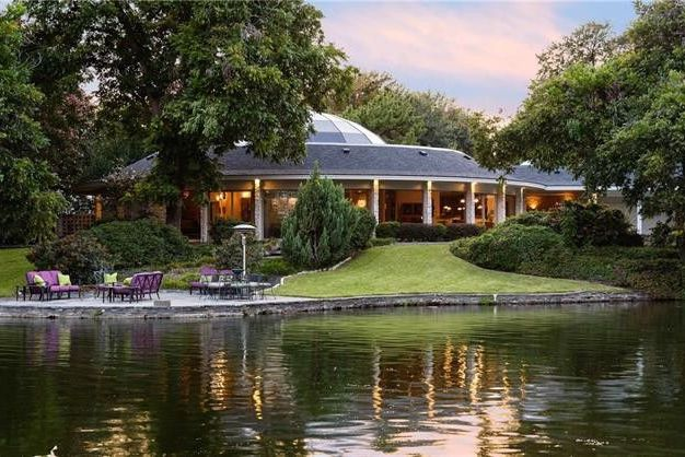 Mary Kay's Gorgeous Dallas Mansion Is For Sale and—Spoiler Alert—It's Not Pink