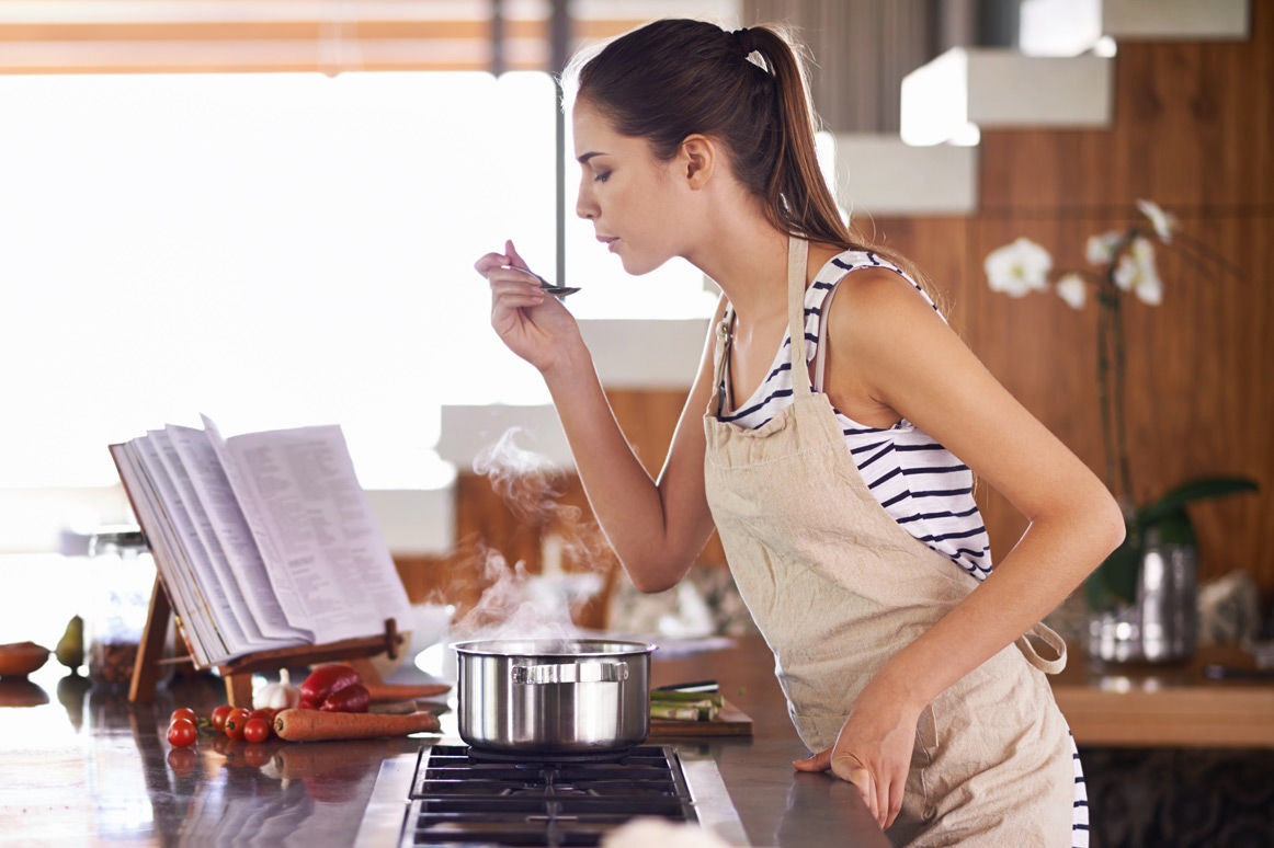 18 Basic Cooking Skills You Should Learn in Your Twenties