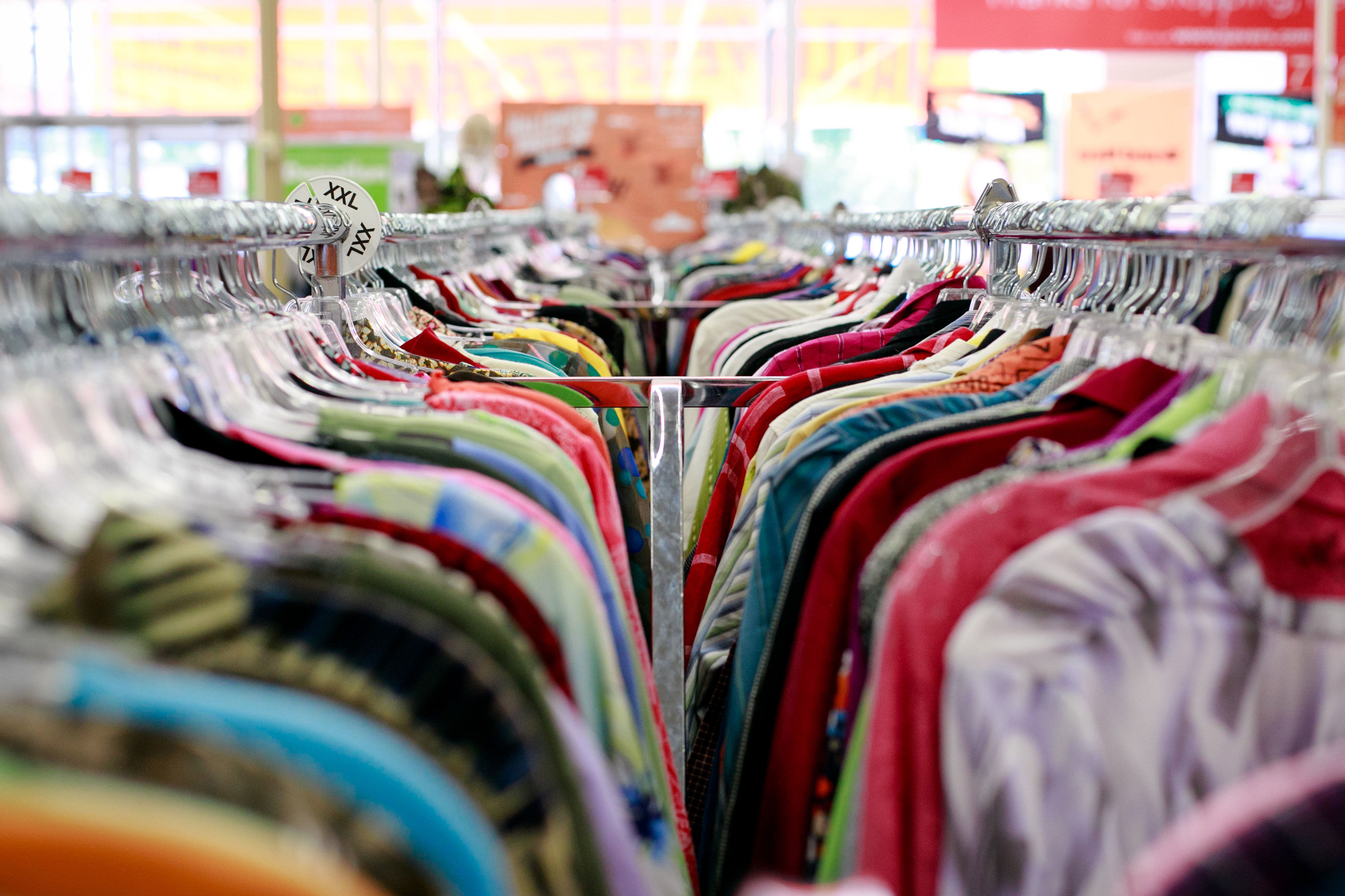 10 Shopping Tips For Scoring The Best Finds At A Thrift Store ... bfcf961365c