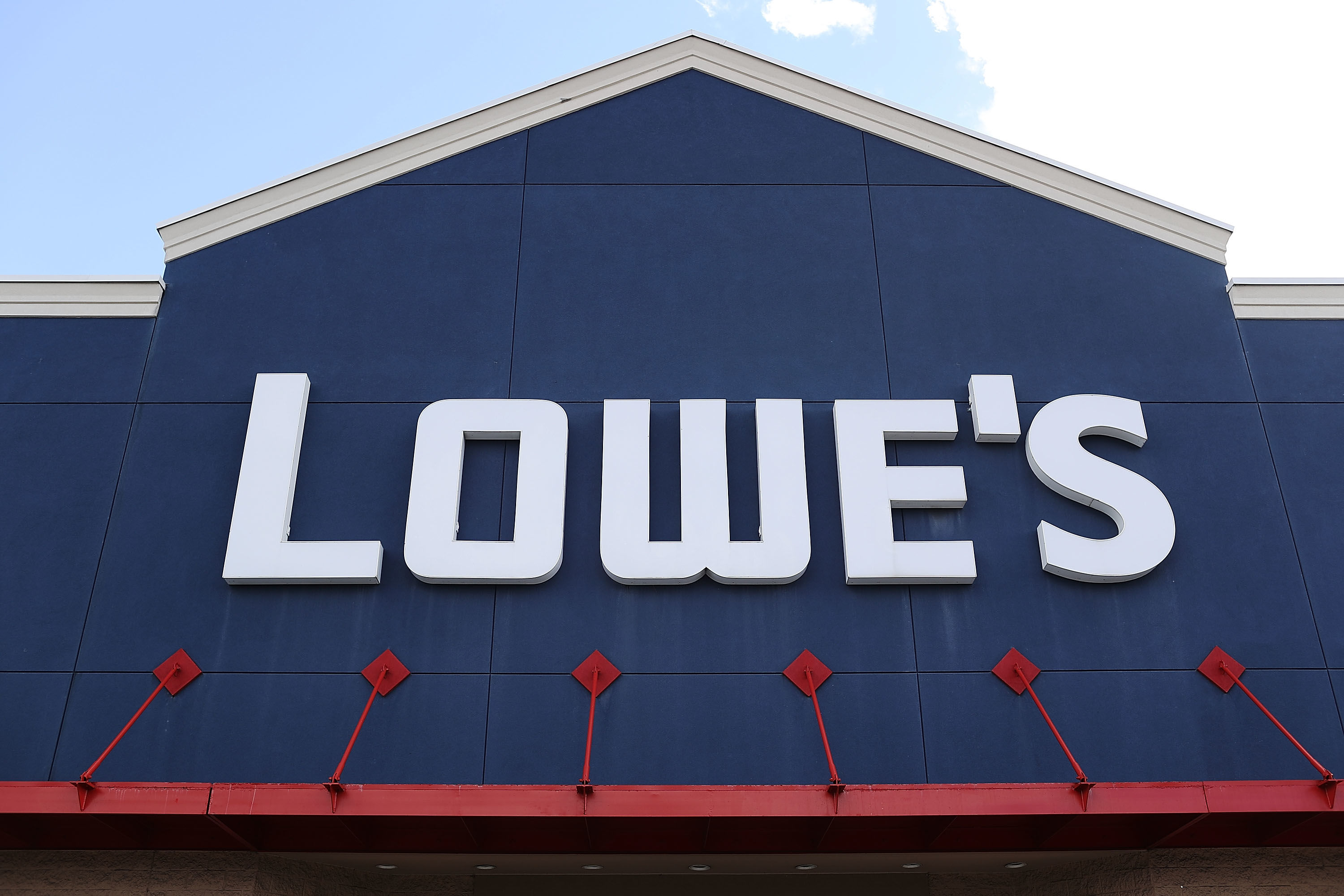 """Lowe's Is Hiring 53,000+ Workers to Get Ready for """"Home Improvement's Busiest Season"""""""