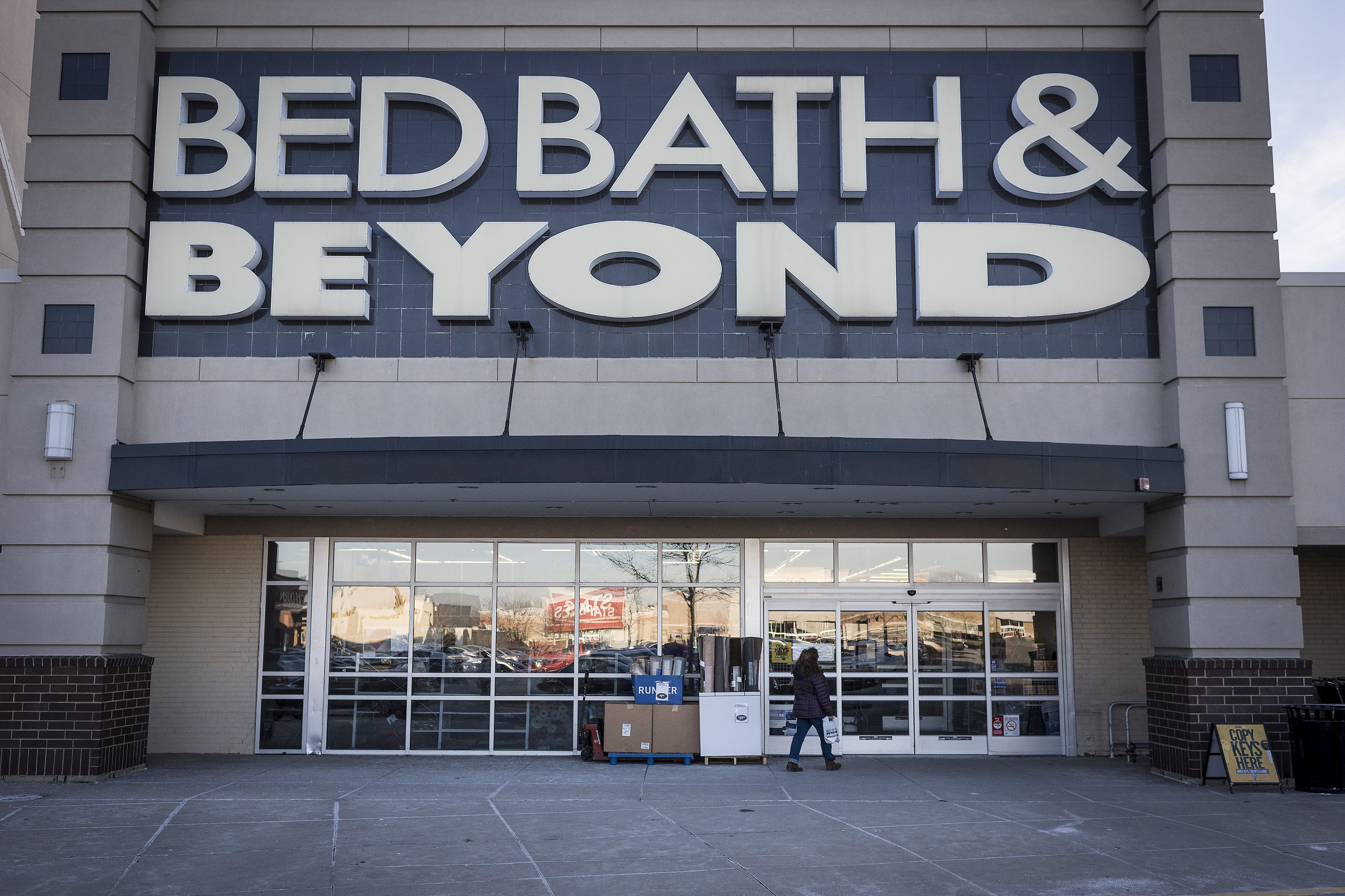 WATCH: This Is the Best Day of the Week to Shop at Bed Bath & Beyond