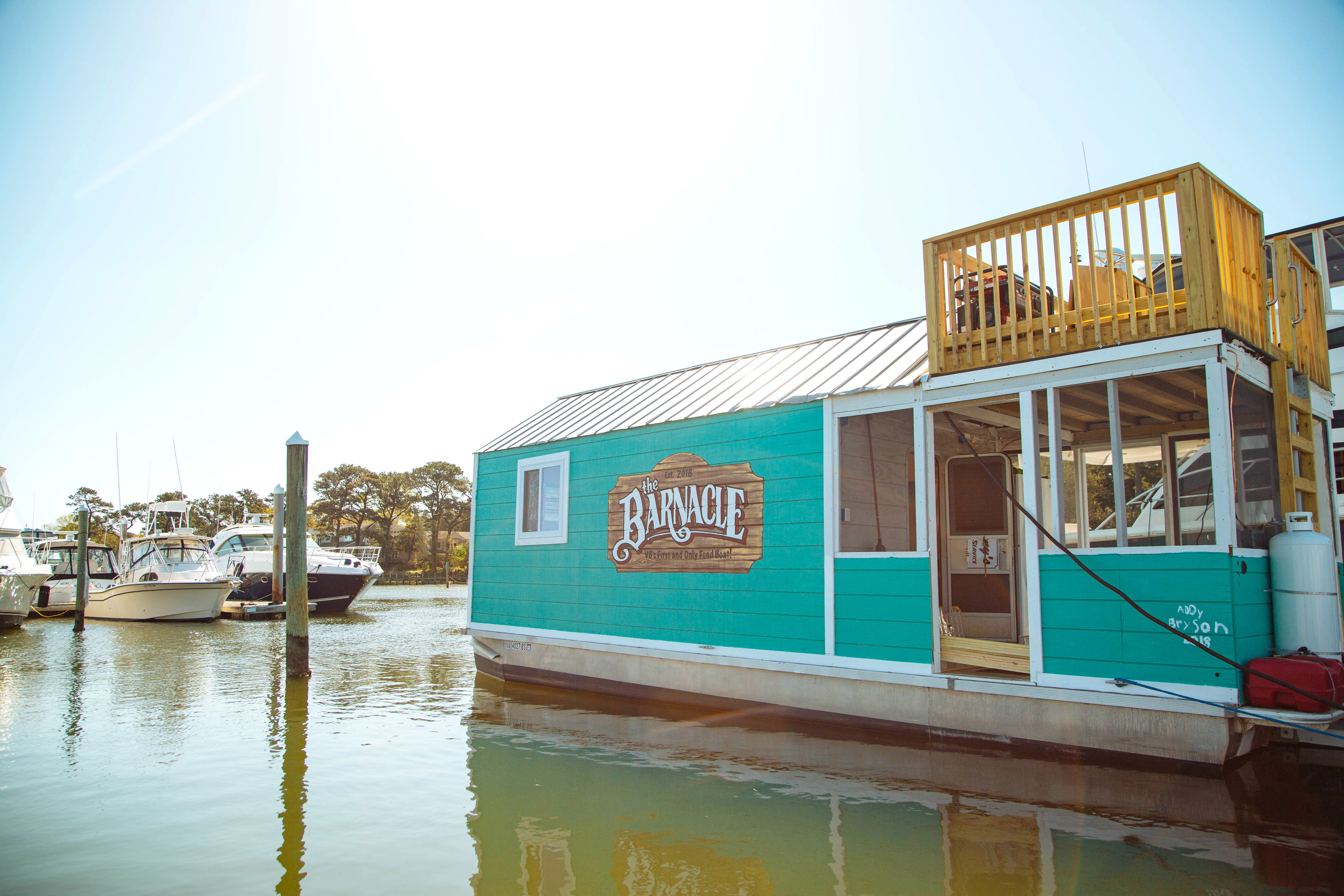 Floating Turquoise Restaurant Opens in Virginia Beach Next Month