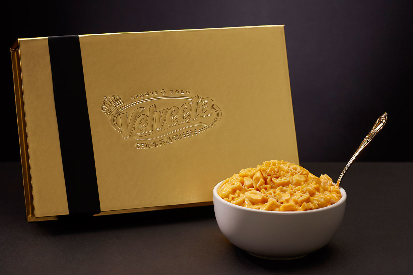 Velveeta's Royal Wedding-Inspired Mac & Cheese is Just What Your Watch Party Needs