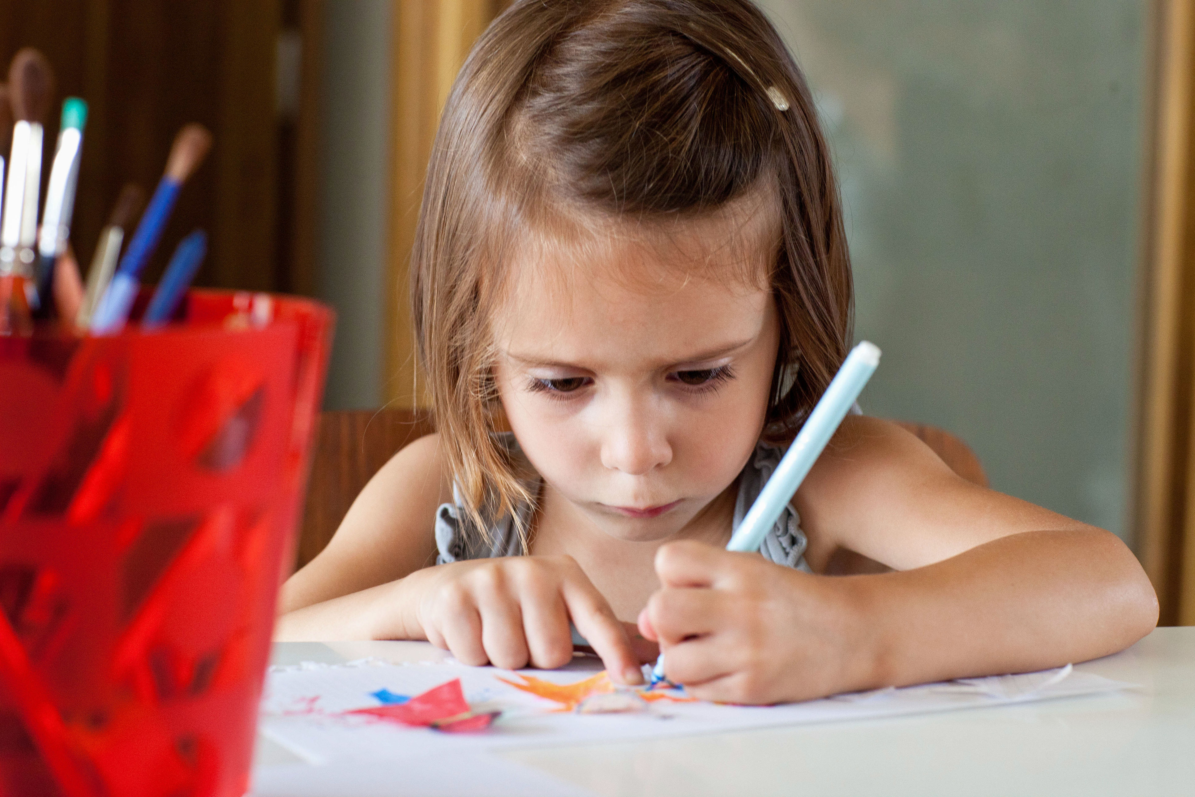 Scientists Have an Interesting Theory on Why Some People Are Left-Handed