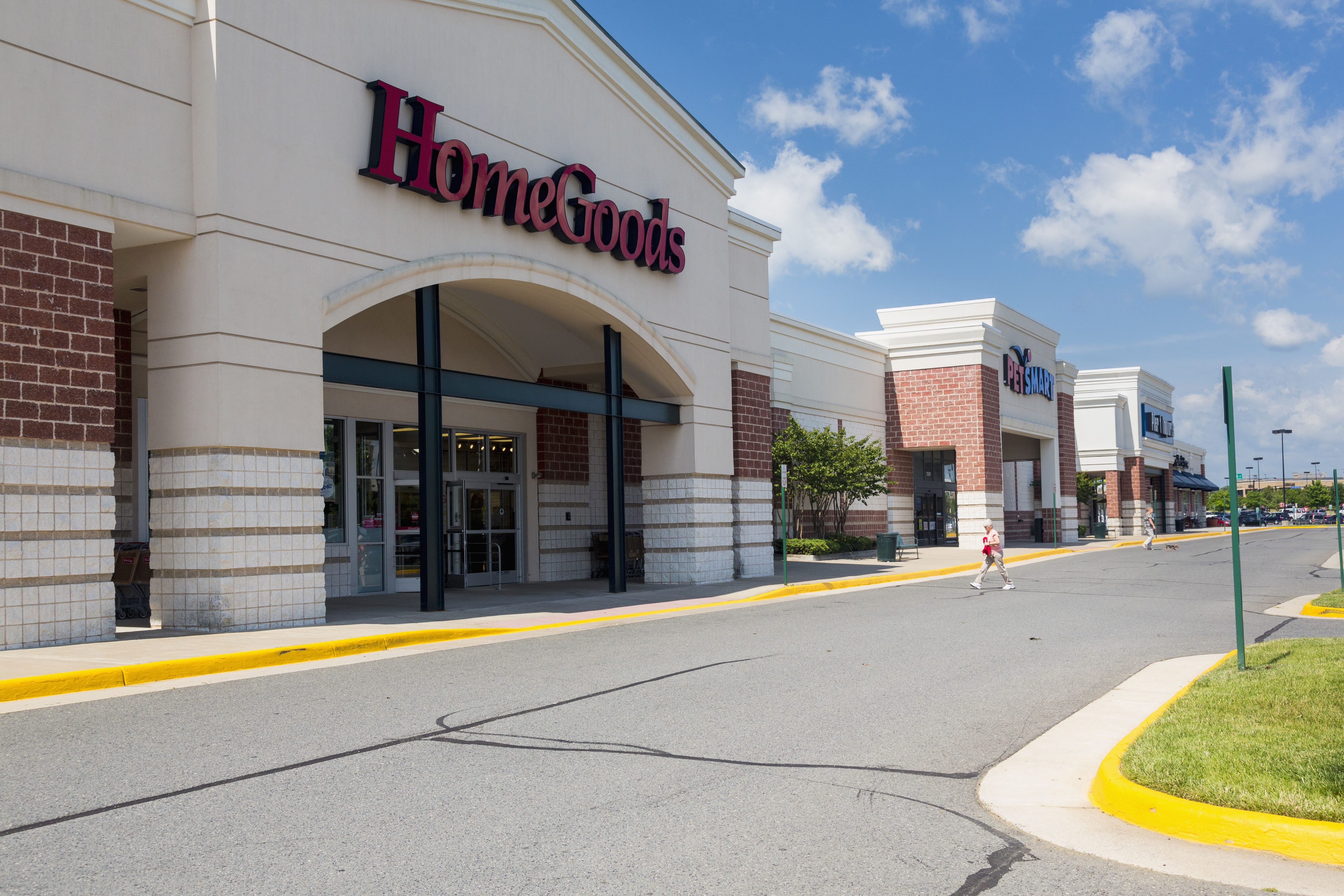 The Best Time to Shop at HomeGoods, According to a Super Fan
