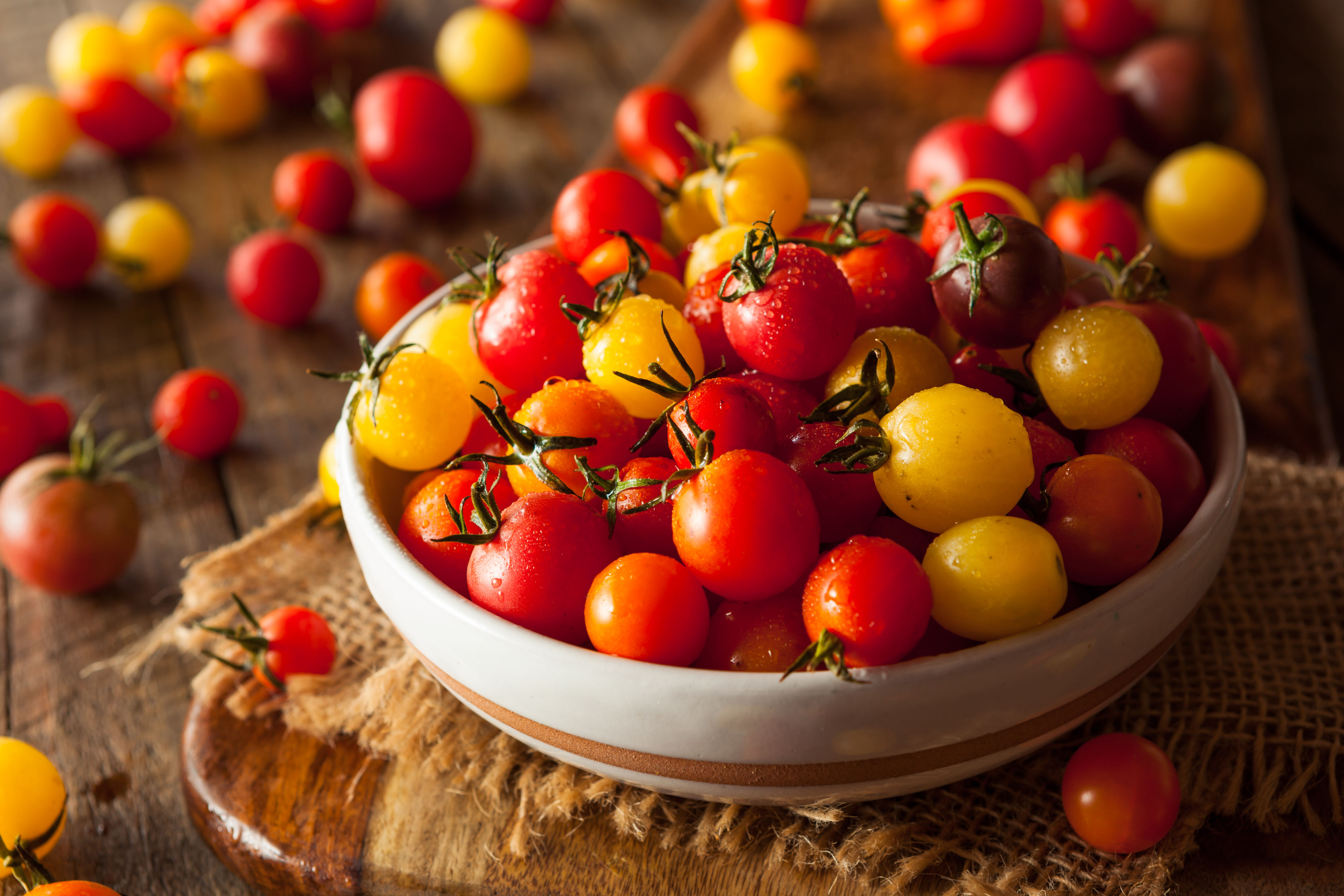 Grape Tomatoes Vs. Cherry Tomatoes: Which Are Better?