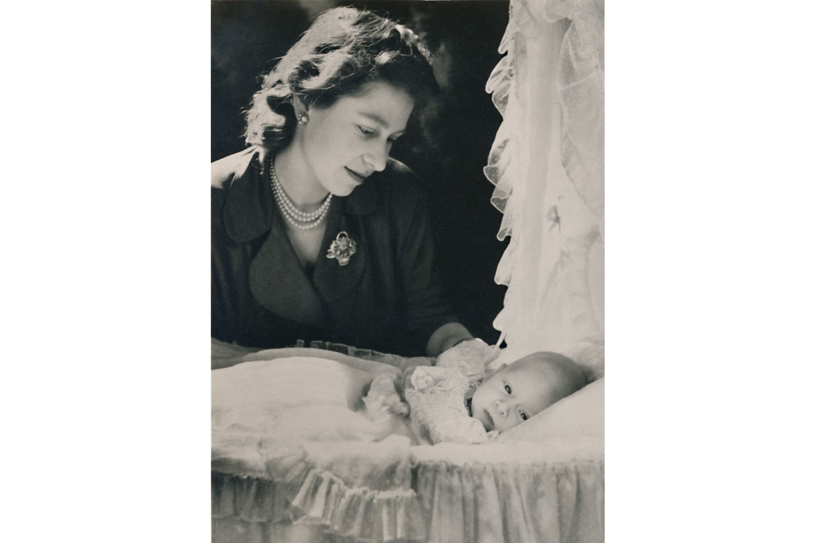 WATCH: The Weird Way Queen Elizabeth's First Pregnancy Was Announced