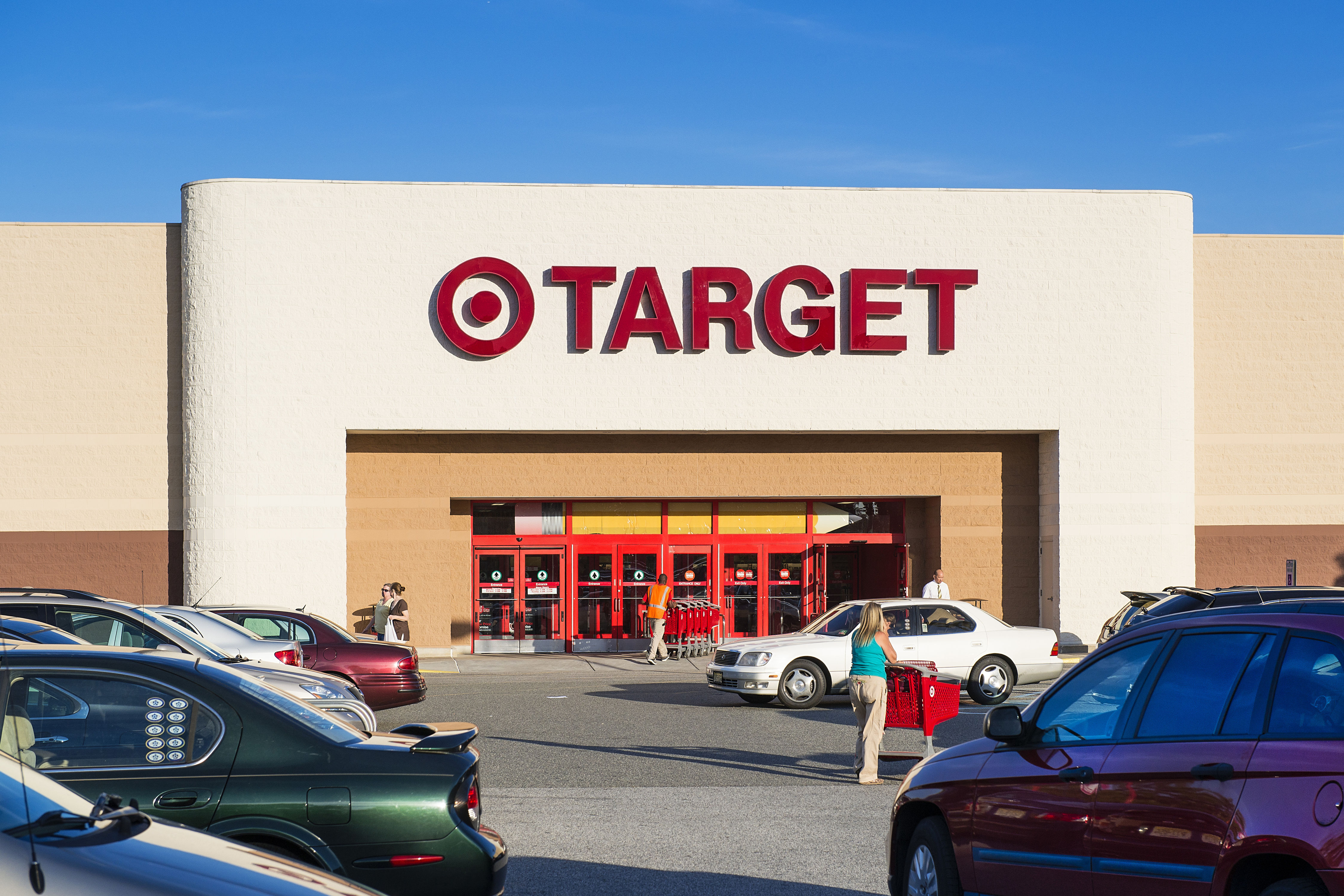 Orlando Couple Takes Wedding Guests on Target Run to Buy Gifts for Toys for Tots