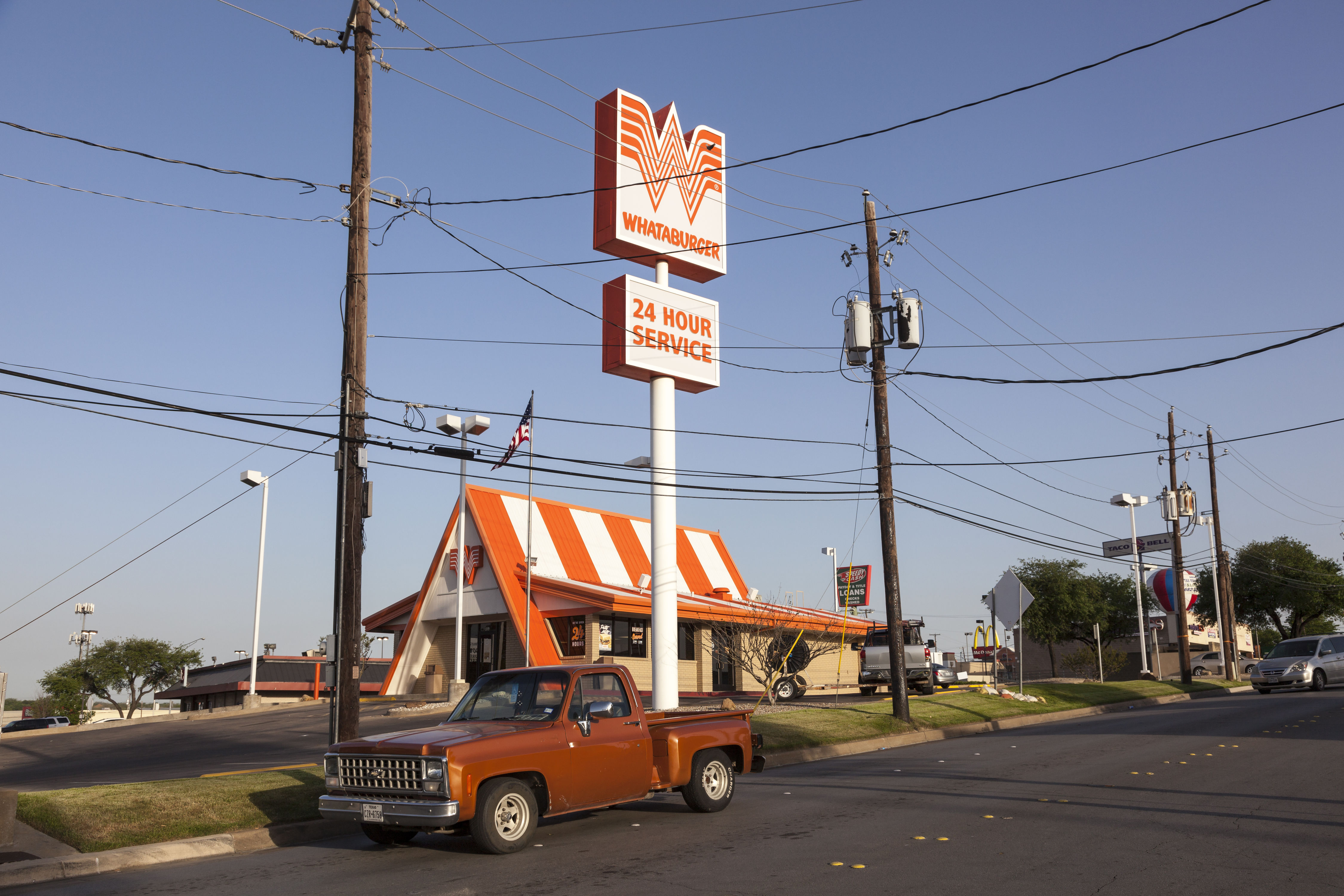Do Texans Really Prefer In-N-Out Burger to Whataburger?