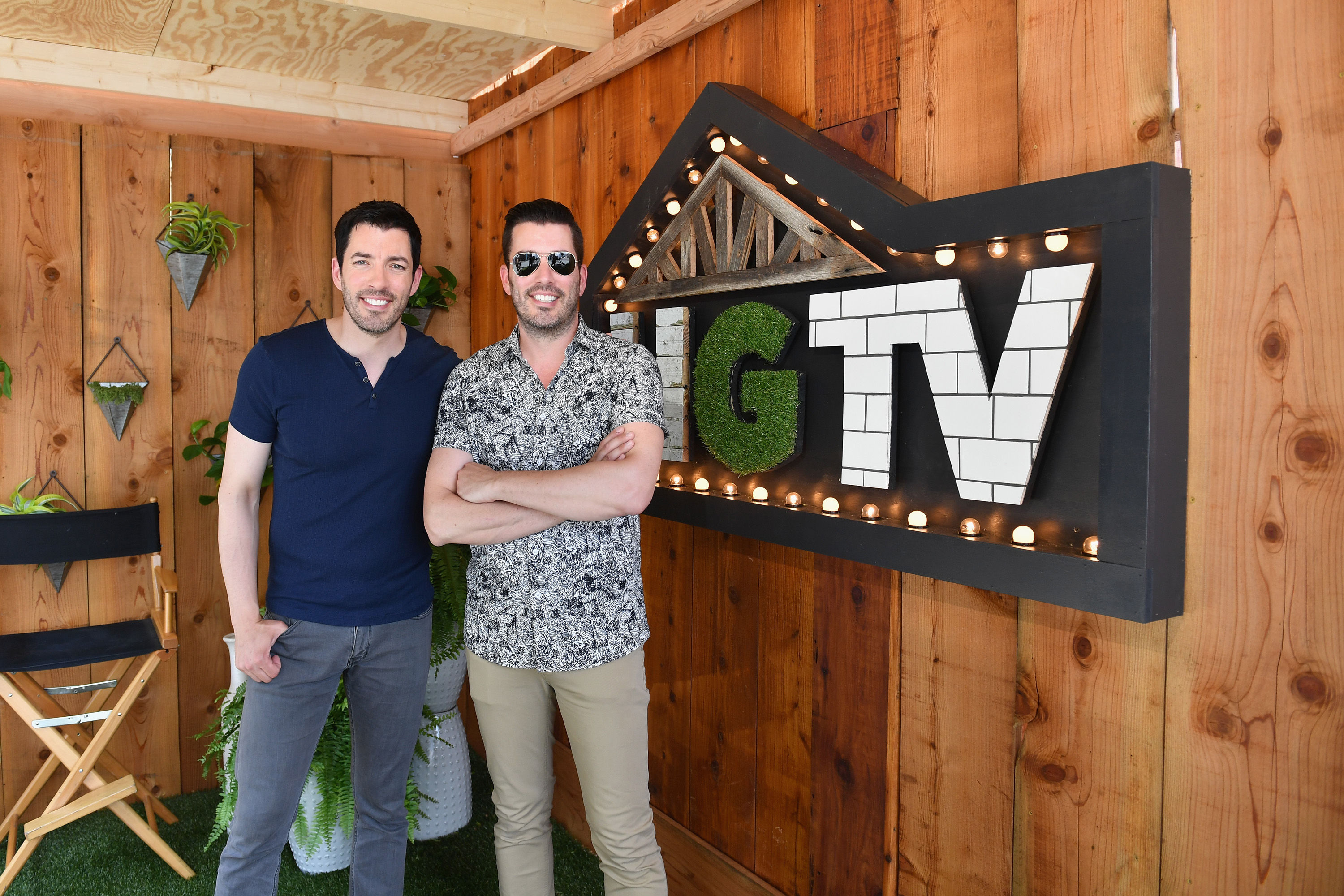 The Property Brothers Swear by This Tip to Instantly Update Your Home's Exterior