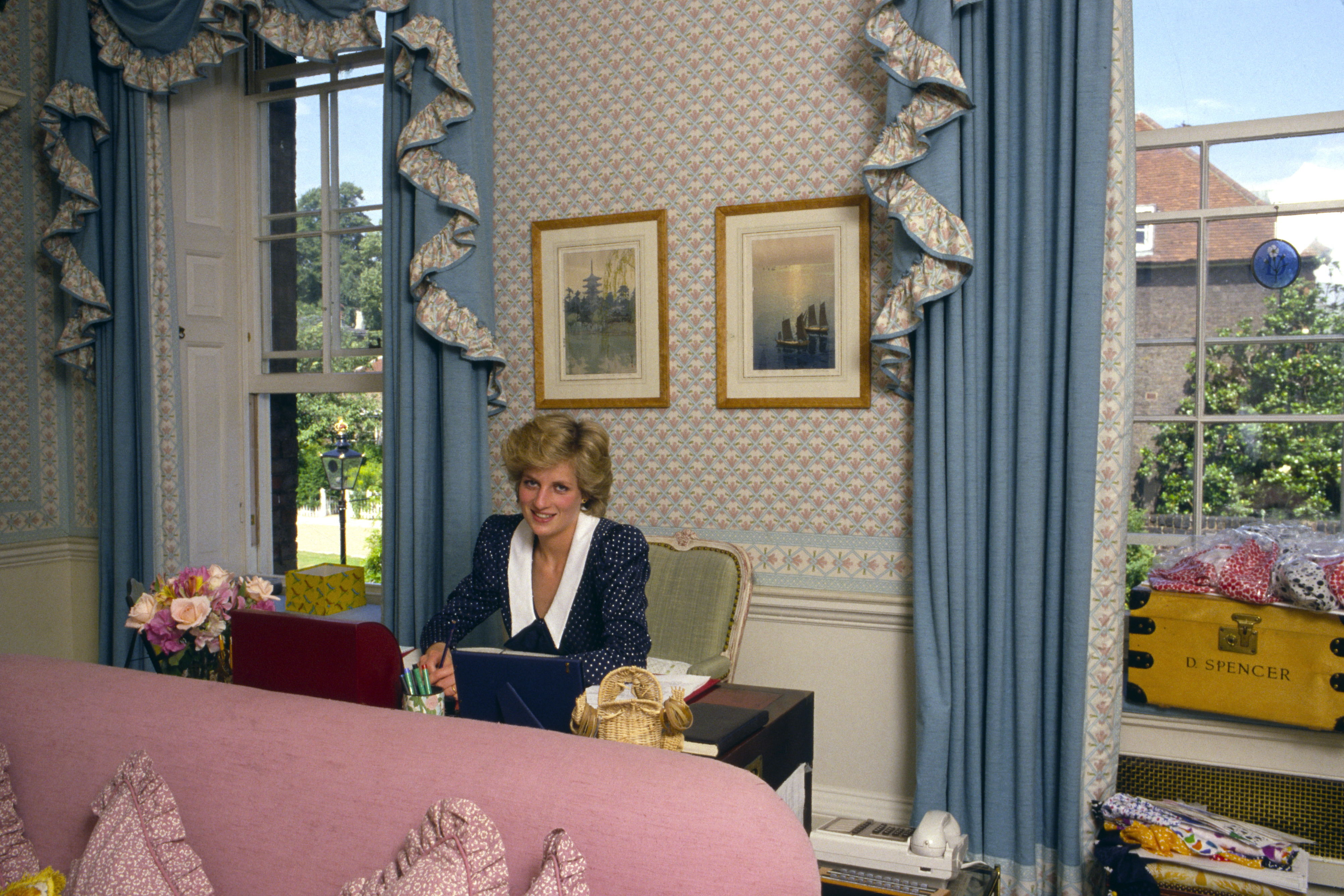 Princess Diana's Sitting Room Was a Calming, Sophisticated Oasis