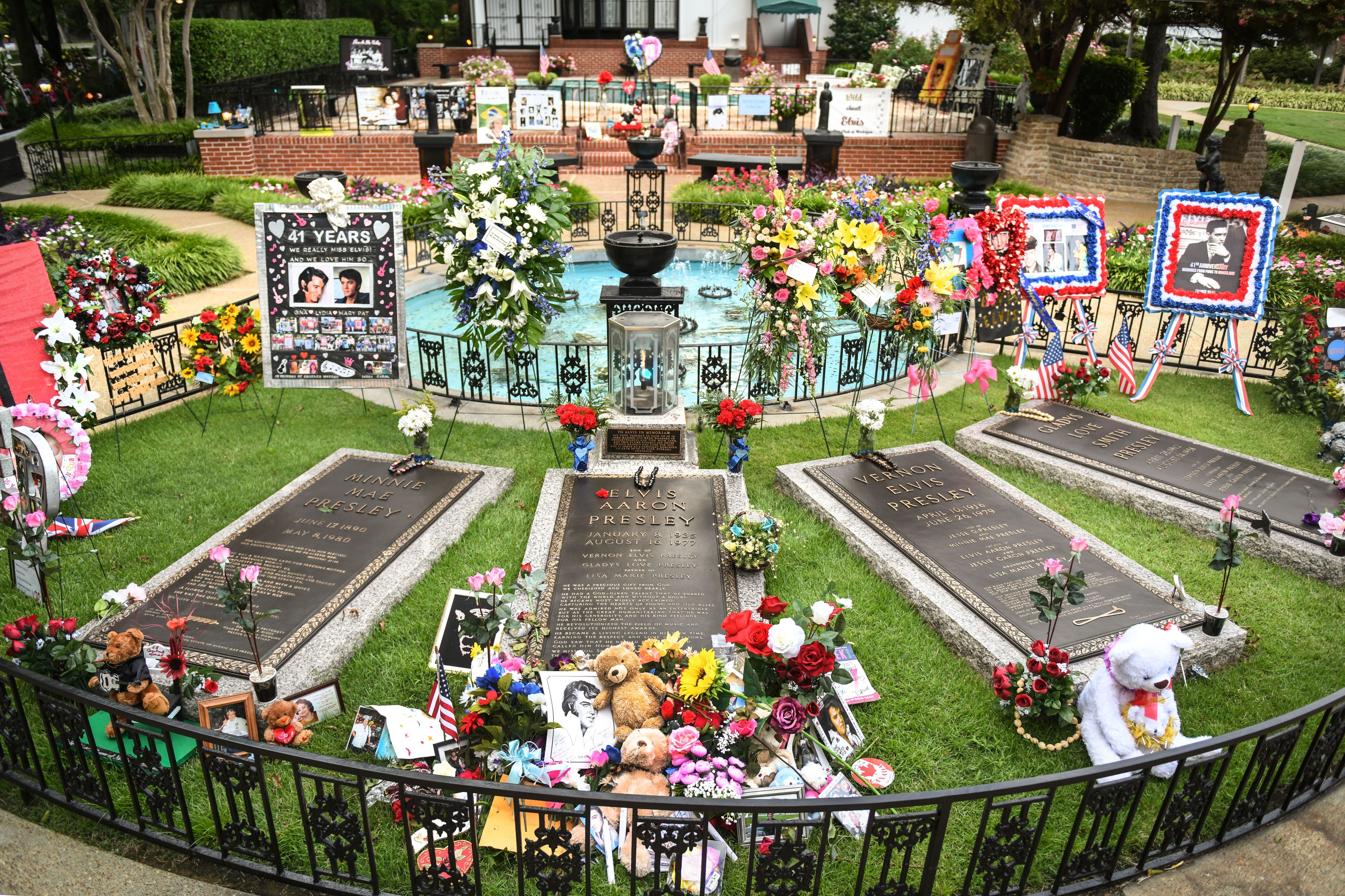 The Best Elvis Week 2019 Events at Graceland