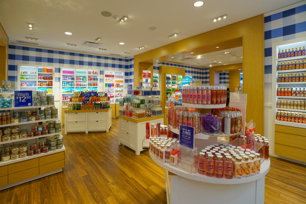 Tell Your Girlfriends: Bath and Body Works Is Bringing Back Your Favorite '90s Scent for Summer!