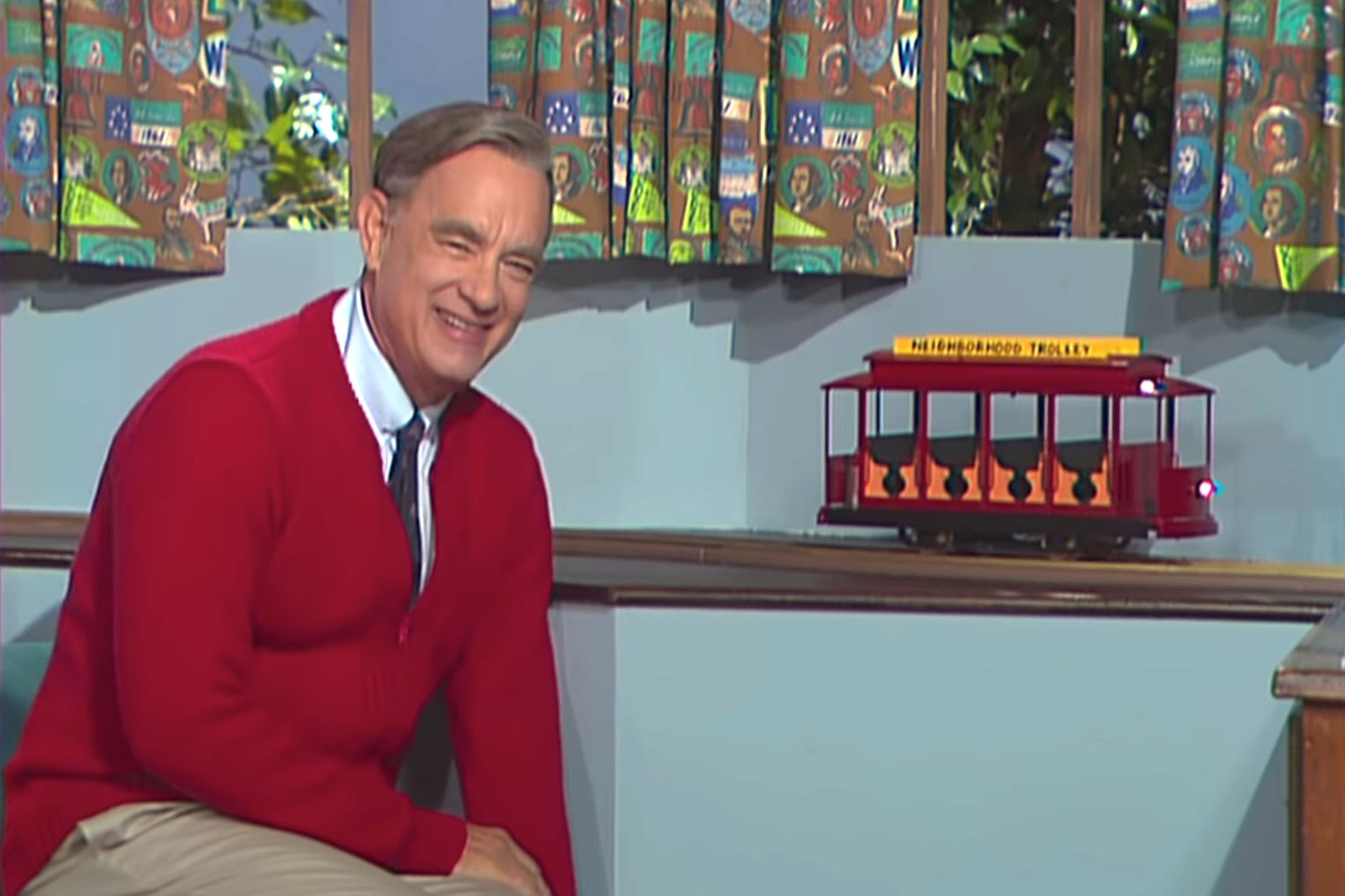 Tom Hanks Leads Mister Rogers Sing-Along at A Beautiful Day in the Neighborhood Premiere