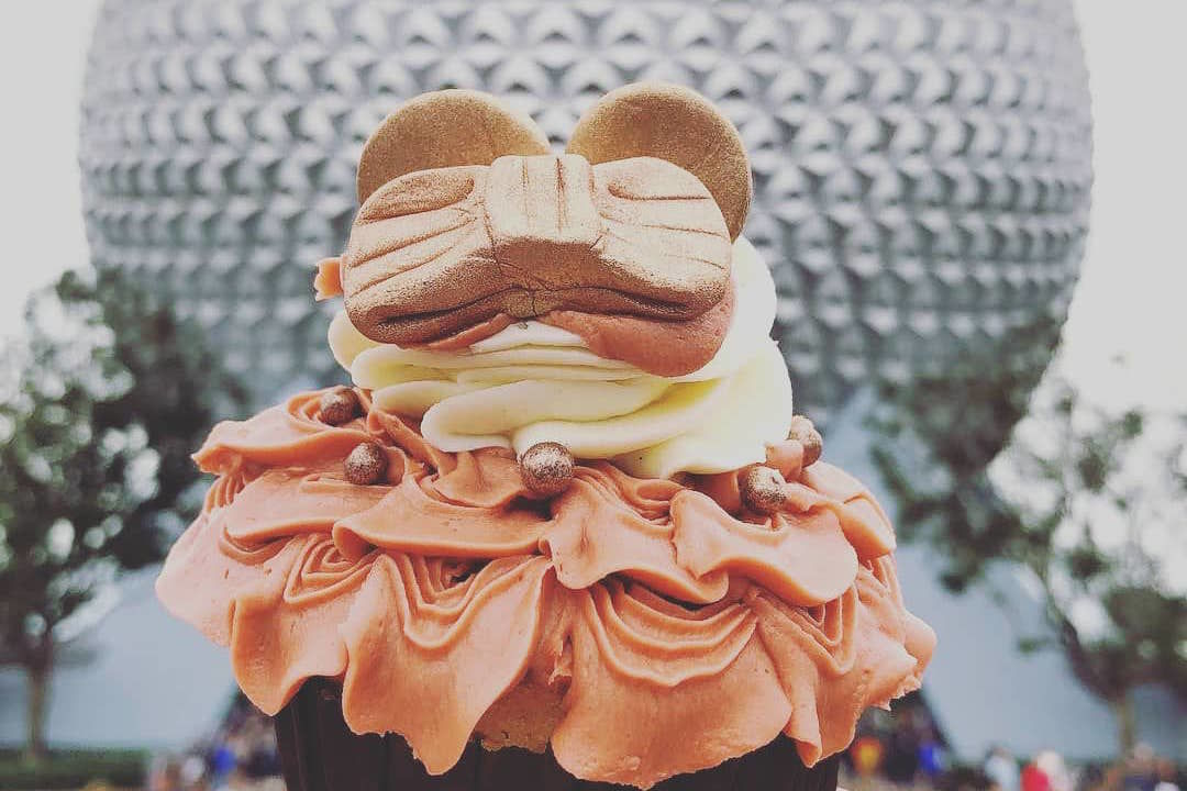 Disney Is Now Selling Rose Gold Minnie Ears *Cupcakes* to Satisfy Our Sweet Tooth