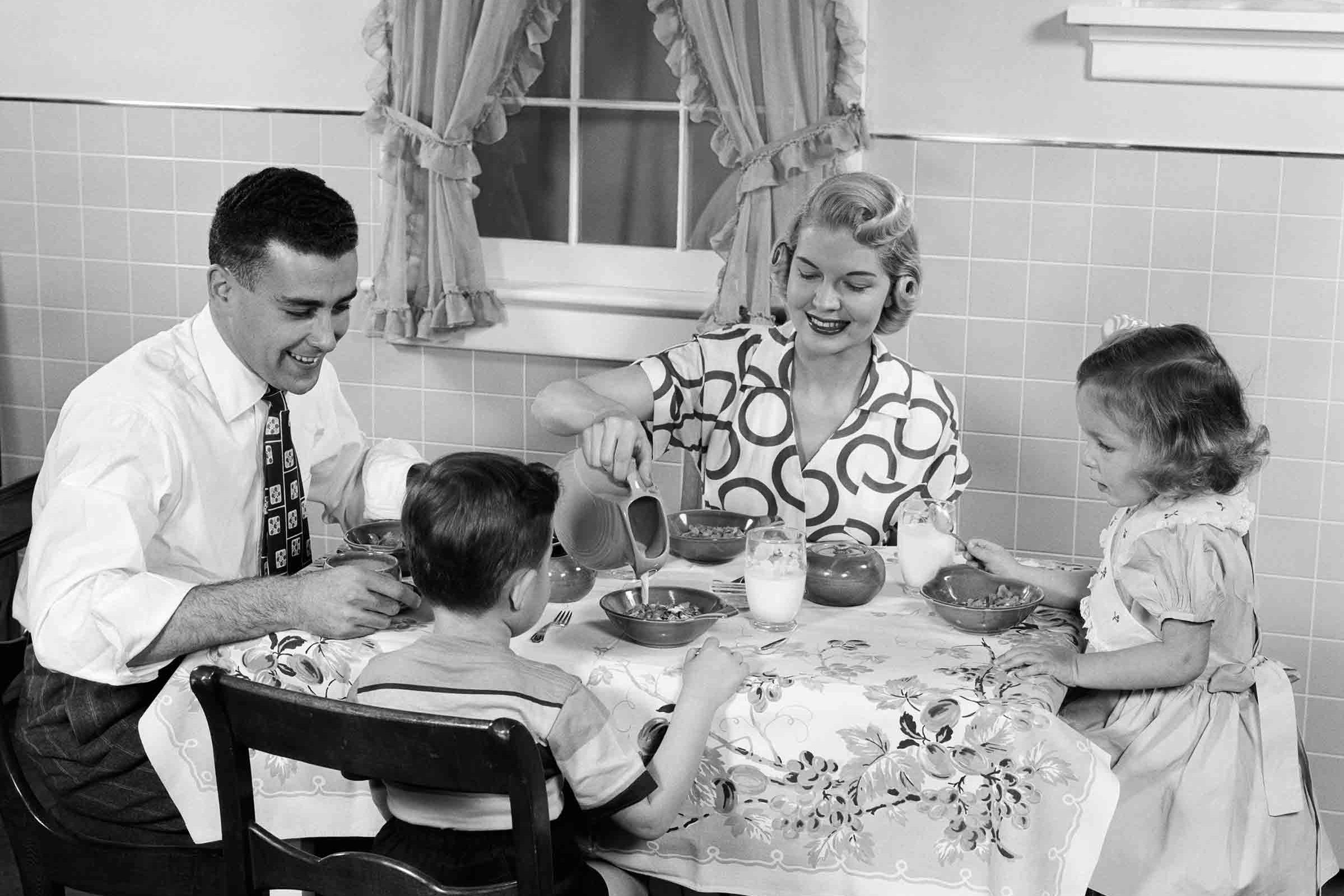 How Family Breakfasts Became the New Family Dinner