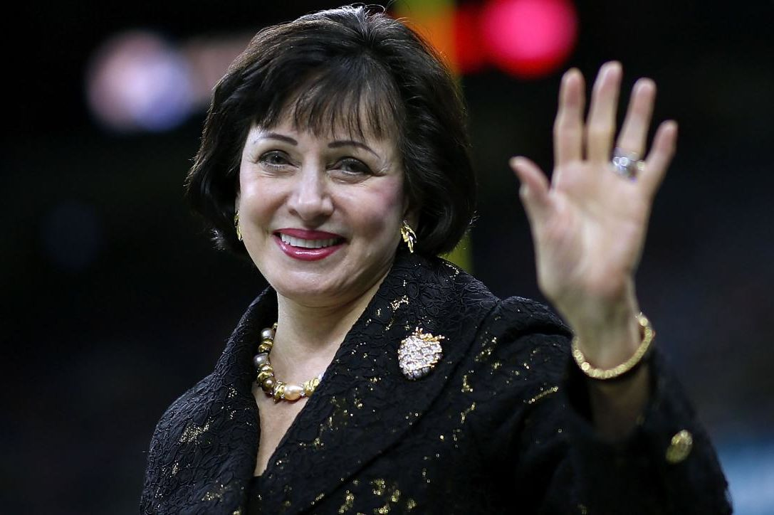 Saints Owner Gayle Benson Pays Off Nearly $100,000 in Layaway Orders at Local Walmart
