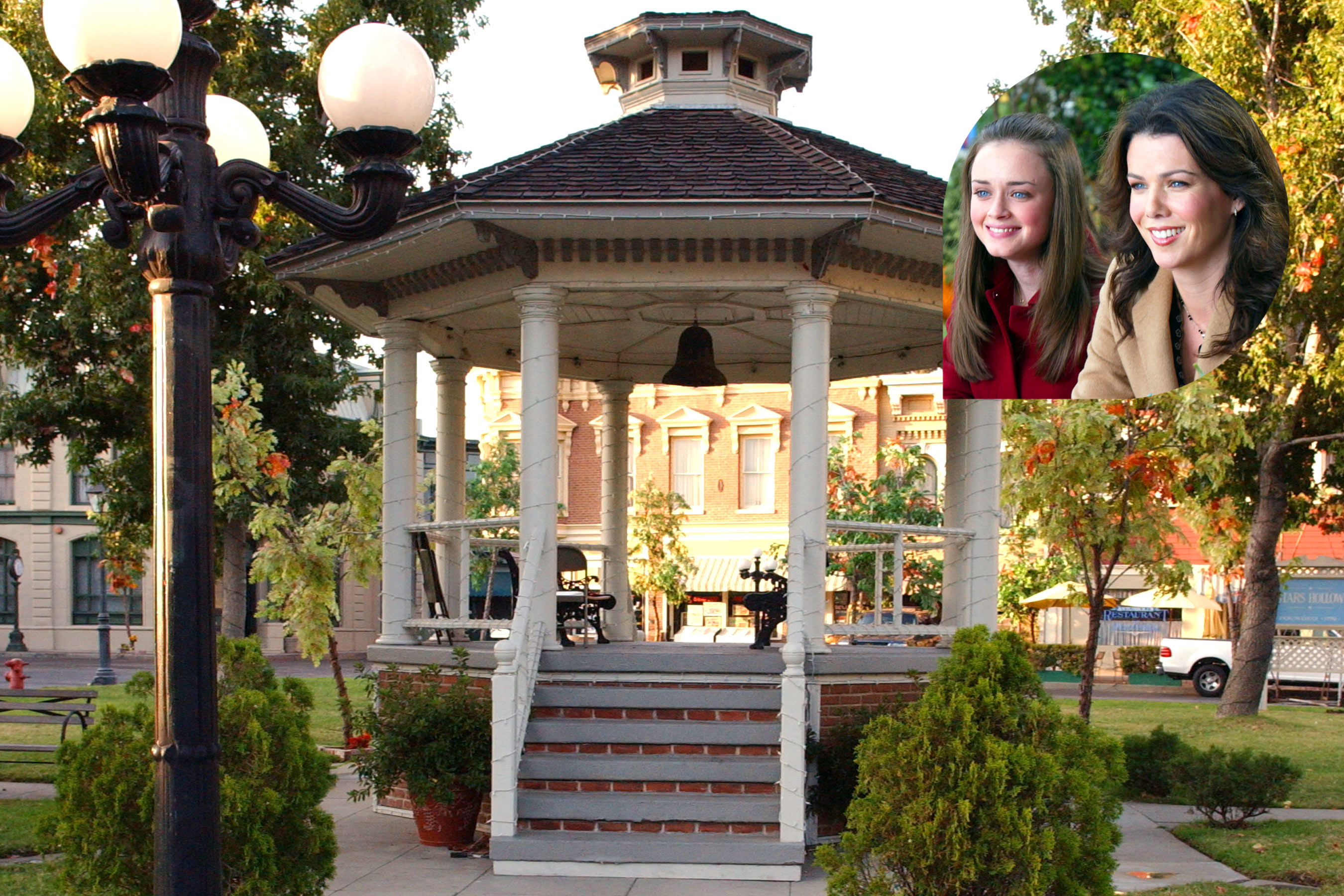 Gilmore Girls Fan Gets Proposed to in the Real Stars Hollow Gazebo