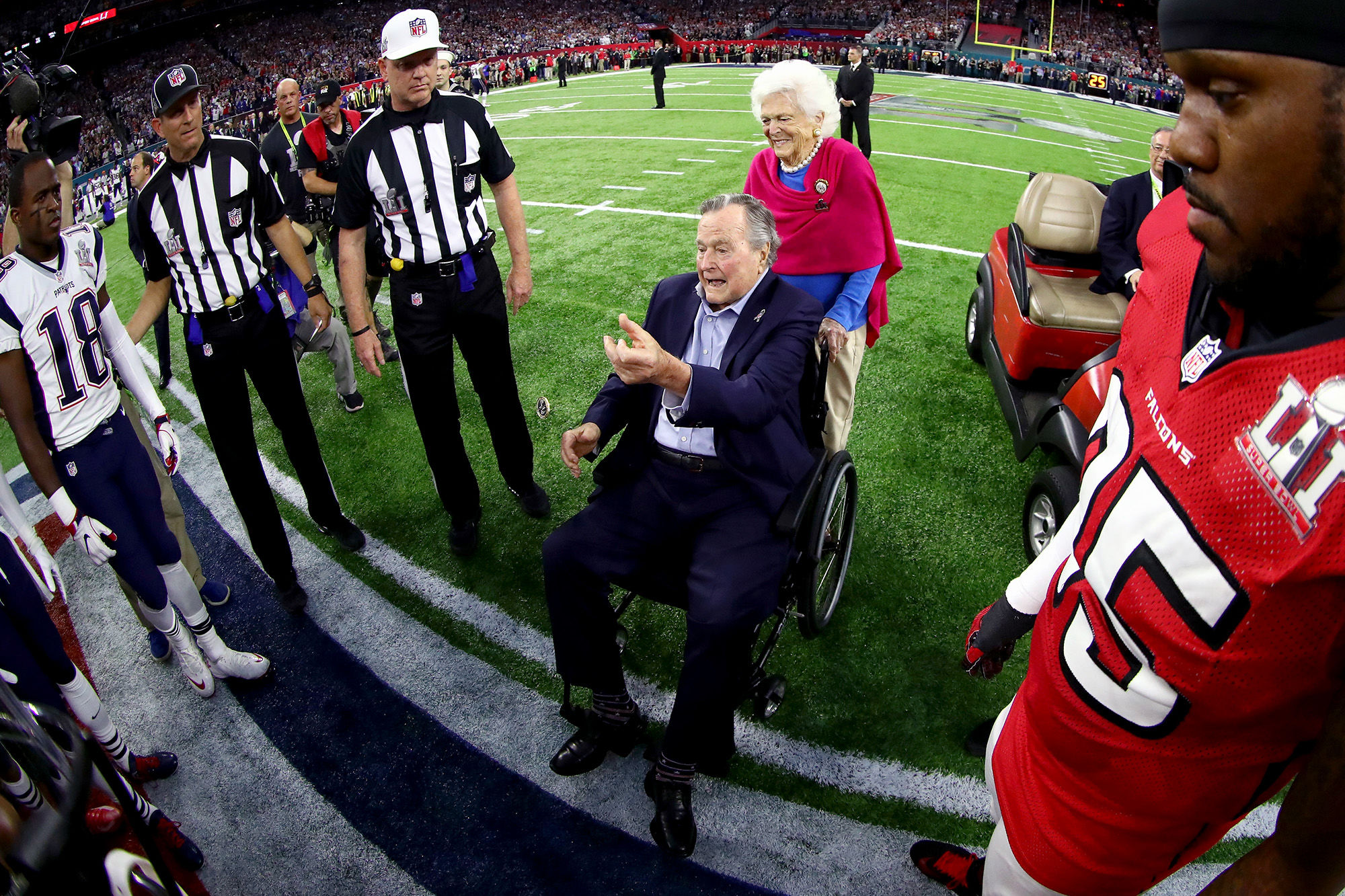 Former President George H.W. Bush and Barbara Get Massive Applause at Super Bowl After Hospitalization