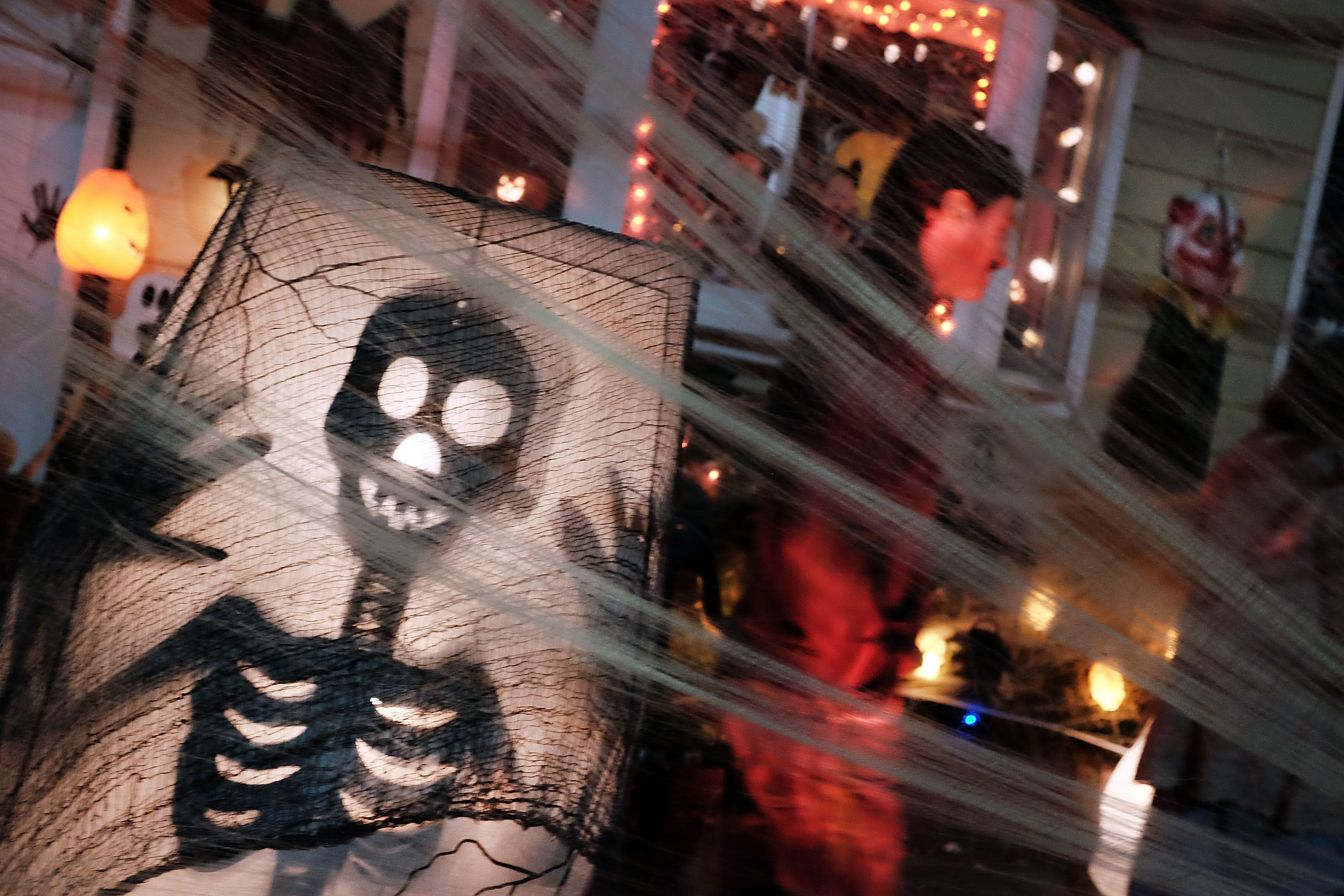 Americans Will Spend a Terrifying Amount On Halloween This Year