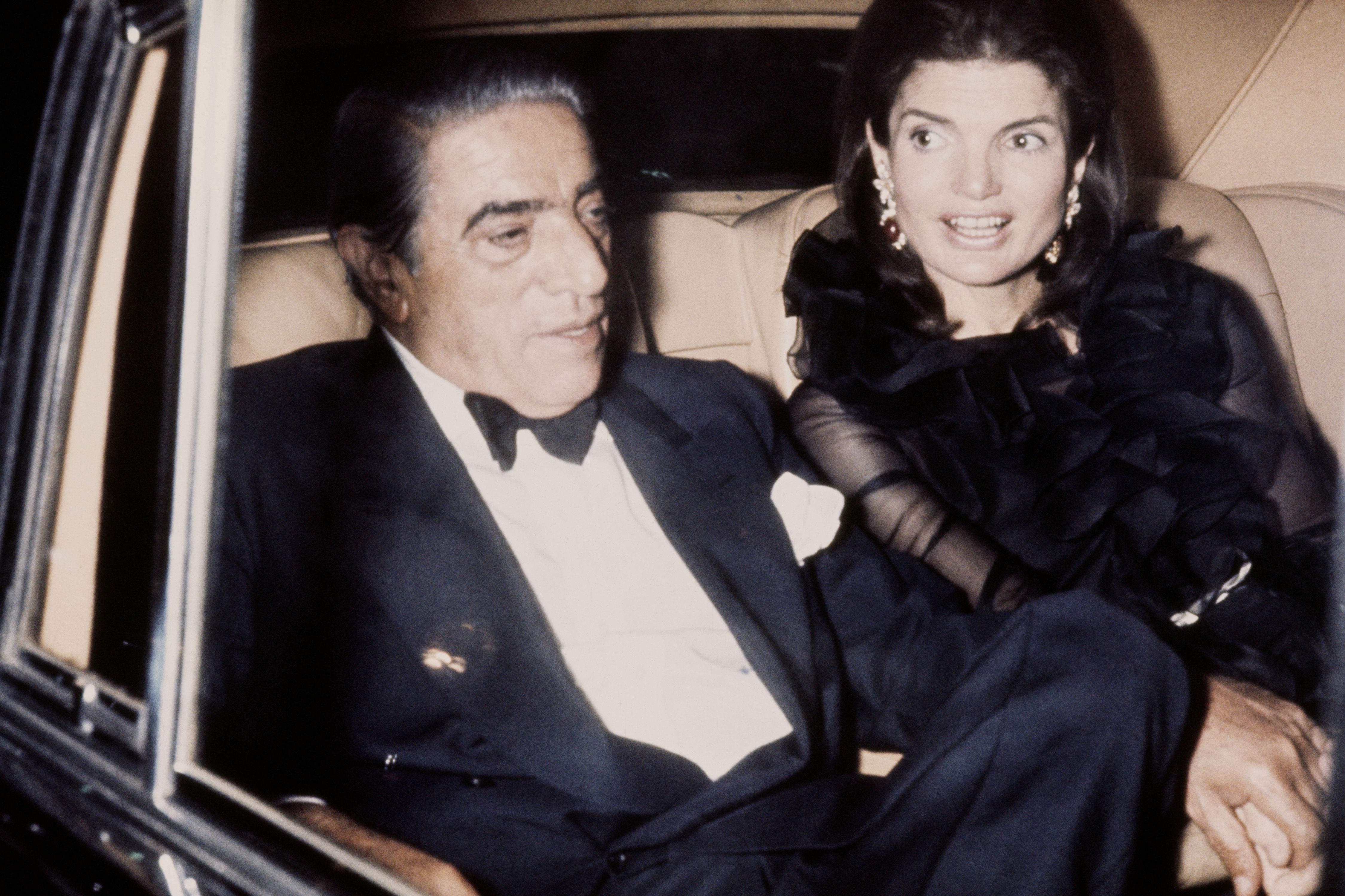"The Crafty Way Jackie Kennedy Onassis Supplemented Her Monthly Clothing ""Allowance"""